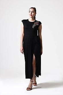 Šaty - Šaty midi s rozparkom a výšivkou - 10893166_