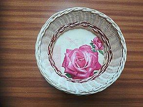 Dekorácie - Kruhový košíček z pedigu s diamantovou väzbou - 10892973_