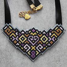Náhrdelníky - ornament - 10895395_