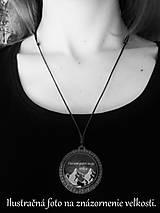Náhrdelníky - Drevený živicový náhrdelník - Nezábudky - 10895004_