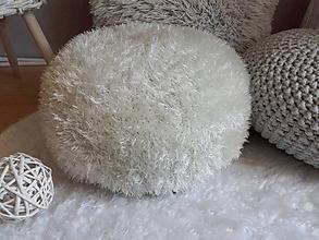 Úžitkový textil - Háčkovaný PUF krémový chlpatý - 10894685_