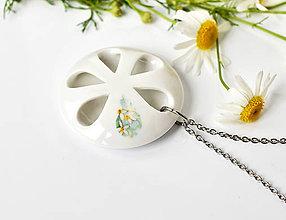 Náhrdelníky - White Flower - 10897367_