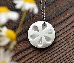 Náhrdelníky - White Flower - 10897368_