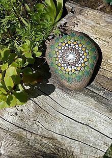 Dekorácie - Domov, zem, tráva... - Na kameni maľované - 10894873_