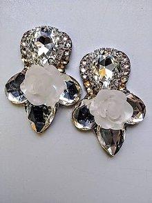 Náušnice - Svadobné náušnice so živicovou ružou - 10894468_