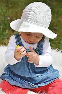 Detské čiapky - Letný utraľahký  klobúk batist & ivory kvietočky - 10897556_