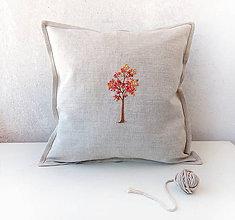 Úžitkový textil - Vyšívaný povlak na vanúš Jesenný strom - 10894779_