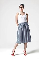 Sukňa midi modro biela pásikavá