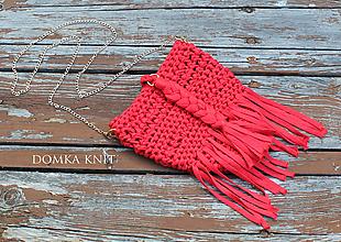 Kabelky - Červená háčkovaná kabelka (so strapcom) - 10899212_