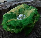 Odznaky/Brošne - green flower / 90mm - 10900234_