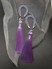 Náušnice - Farebné, strapcové náušnice pletené s retiazkou (Fialová) - 10900315_