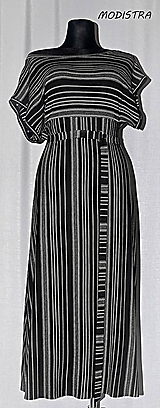 Šaty - Prúžkované úpletové šaty s opaskom - 10900043_