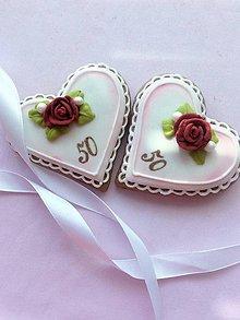 Dekorácie - srdiečkové medovníčky pre hostí - 10899133_