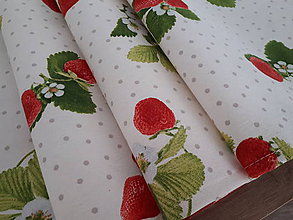 Úžitkový textil - Stredový obrus jahody na béžovom podklade - 10902815_