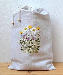 Úžitkový textil - Ľanové vrecko na chlieb-podšité-Lúčne kvety - 10902604_