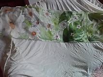Šatky - hodvábna šatka biele kvety1 - 10901428_