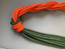 Náhrdelníky - Uzlový náhrdelník s jednostranným zapletaním - 10901618_
