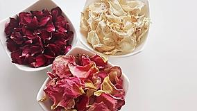 - Sušené lupienky ruží - 10903270_