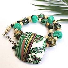 Náhrdelníky - Bielozelený náhrdelník - 10901301_