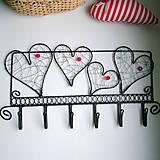 zaláskovaný vešiak                folk, srdce,svadba