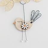 Dekorácie - vtáčik s kvetom (biele) - 10905624_