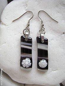 Náušnice - Biela v čiernej - 10905899_