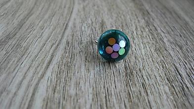 Prstene - Živicový prsteň guľatý - chirurgická oceľ (zeleno modrý č. 2790) - 10905058_