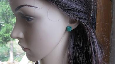 Náušnice - Živicové kocky - napichovačky (zelené, č. 2793) - 10905107_