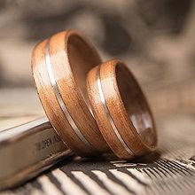 Prstene - drevená svadobná obrúčka - čerešňa / orech - 10906120_