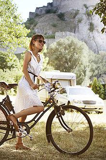 Šaty - Ľahučké letné šaty s vtáčikmi - 10906338_