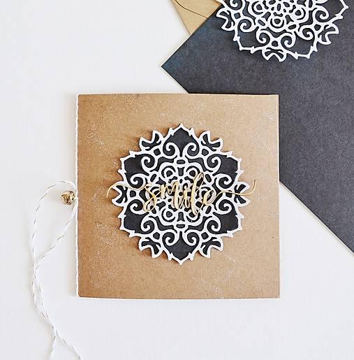 Papiernictvo - Gratulačný pozdrav - ornament na hnedej - 10907300_