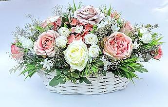 Dekorácie - Košík plný kvetov - 10907308_