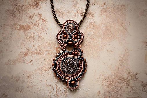 Šujtášový náhrdelník Art deco
