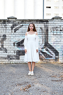Šaty - Madeirové šaty s korzetom a rukávmi - 10906678_