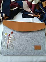 Kabelky - Po strnisku ... (ručne vyšívaná taška, obal) - 10909572_