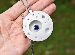 Náhrdelníky - Moon (porcelánový šperk se zirkonem) - 10910990_