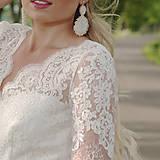 Šaty - Svadobné šaty z vyšívanej krajky a s veľkou kruhovou sukňou - 10908825_