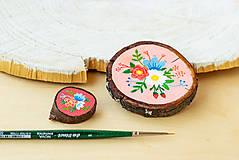 Odznaky/Brošne - Ručně malovaná brož s květy - sytě růžová - 10911772_