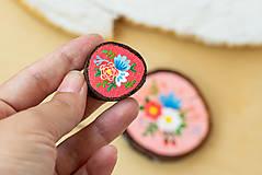 Ručně malovaná brož s květy - sytě růžová