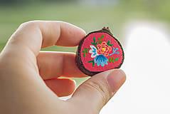 Odznaky/Brošne - Ručně malovaná brož s květy - sytě růžová - 10911775_