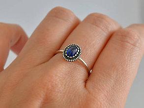 Prstene - 925 Strieborný prsteň s prírodným kyanitom - 10912090_