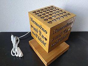 Svietidlá a sviečky - Originalne stolne lampy z dreva - 10914205_