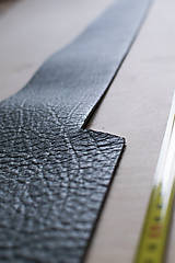 Suroviny - Zbytková koža sivá melírovaná - 10913893_
