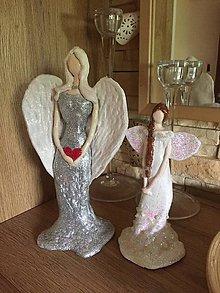 Dekorácie - Hlinený anjel - 10912916_