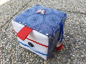 Hračky - Montessori hracia kocka Folk modrá. - 10913827_