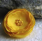 Odznaky/Brošne - brož žltá ružička - 10915161_