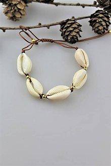 Náramky - mušličkový náramok (kauri mušličky) - 10916812_