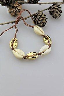 Náramky - náramok mušličky (kauri mušličky) - 10917037_