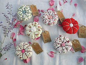 Úžitkový textil - Ihelníček - vankúšik na ihly - 10915548_