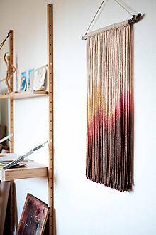 """Dekorácie - Nástenná dekorácia z dreva a vlny """"Rubínové hory"""" - 10915351_"""